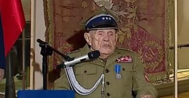 Przebierańcy oszuści awansowali pułkownika.