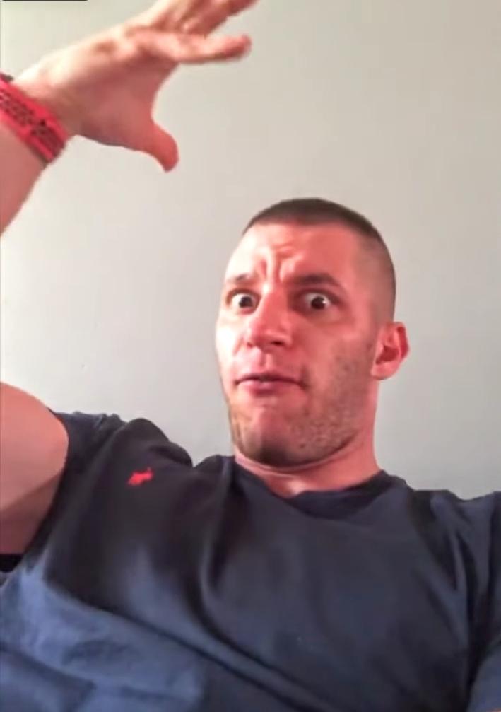 Dziki trener nokautuje propagandę koronawirusa-kolejne video