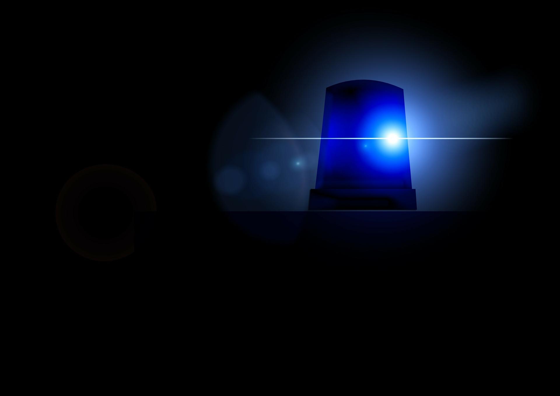 Policja nie wierzy w pandemię? Zobacz nagranie, na którym nie boi się koronawirusa!