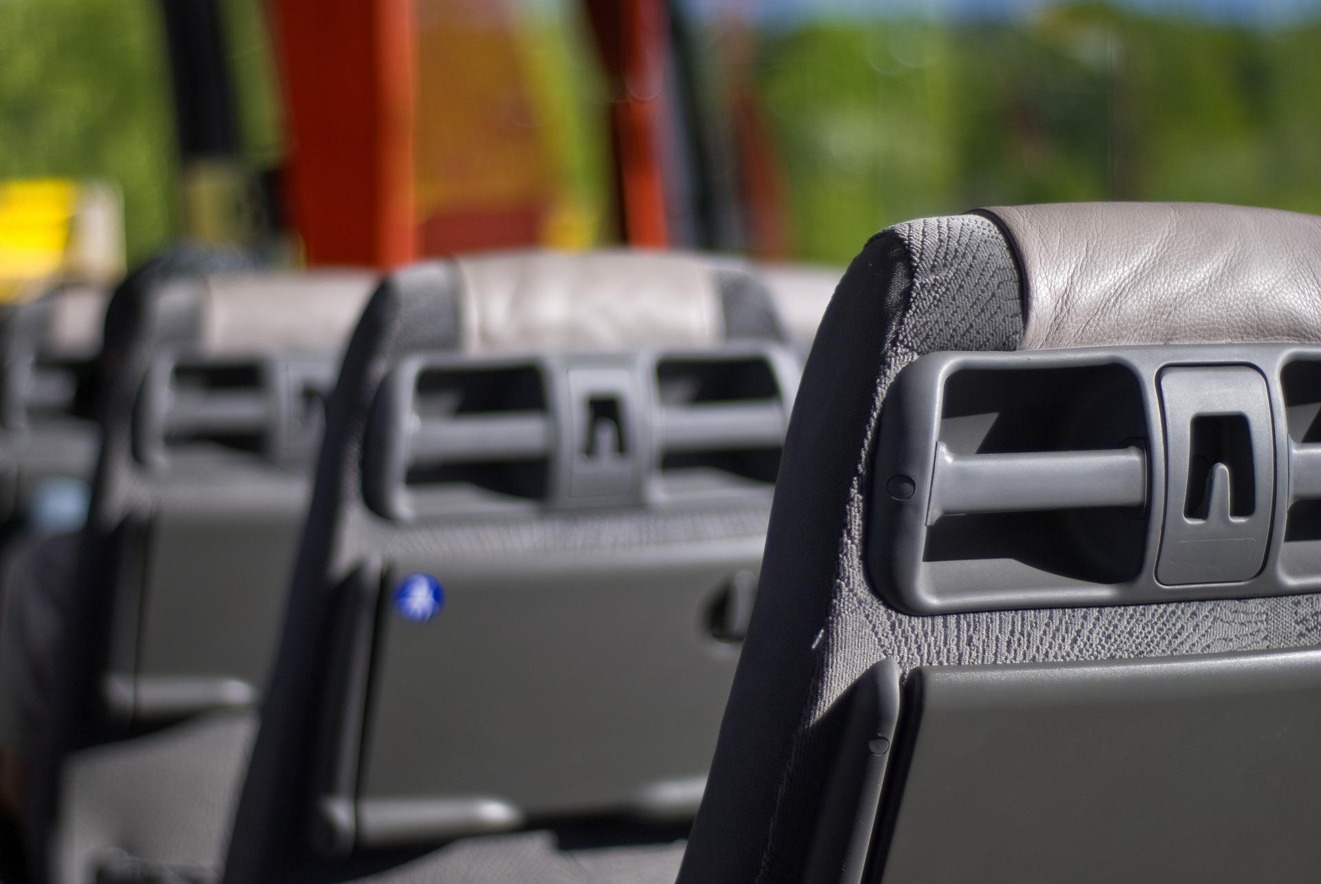 Ekstremalna jazda autobusu. Pasażerowie krzyczeli z przerażenia! (Video)