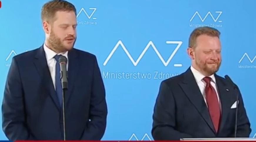 """Wiceminister Janusz Cieszyński """"uciekł"""" z Ministerstwa Zdrowia?"""