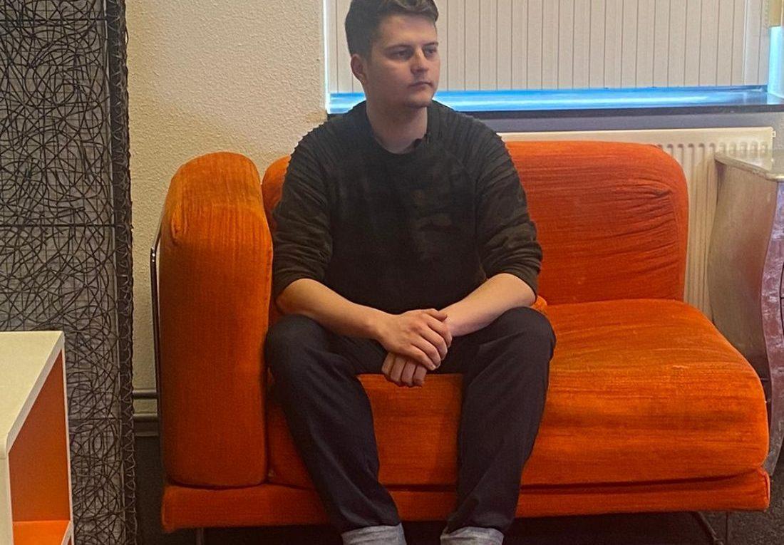 Maarssen w Holandii zwolnienie z pracy za poglądy antycovidowe.